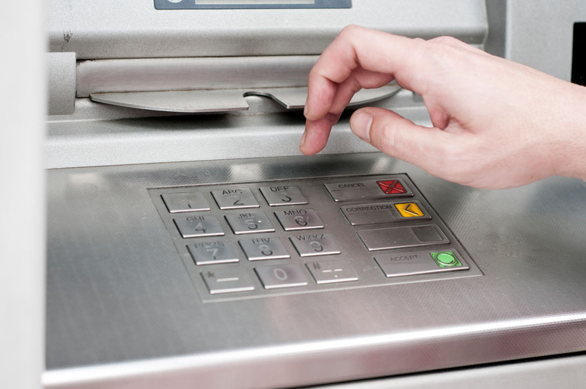 Blog 3 Ways to Avoid Pesky ATM Fees